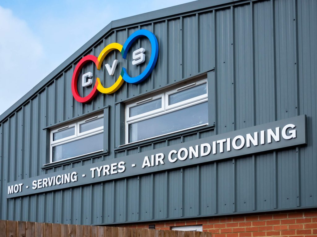 Country Vehicles Shefford - Garage Exterior Sign