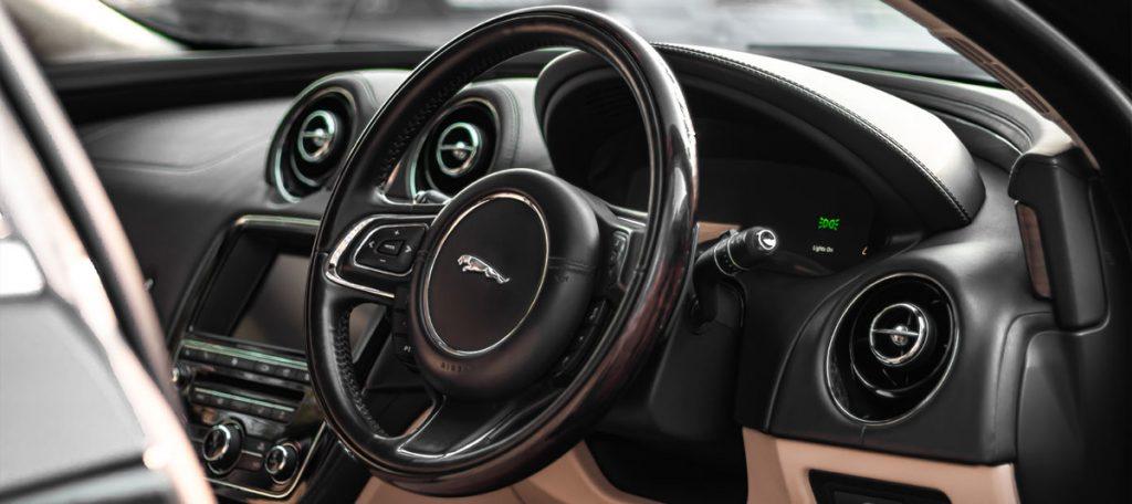 Jaguar-Specialist Garage Bedfordshire